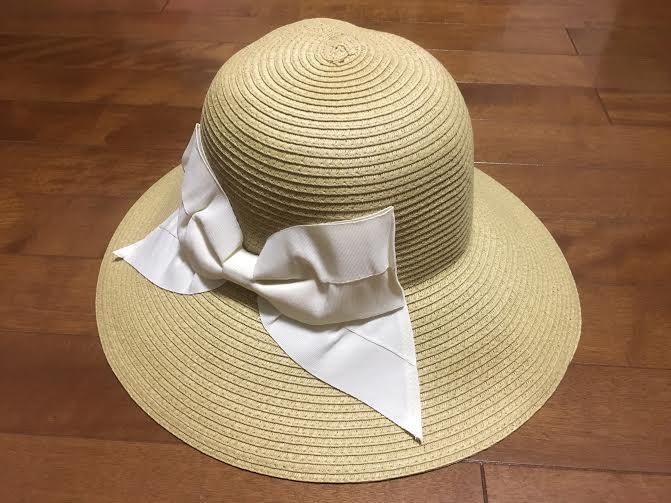 折り畳みできる麦わら帽子